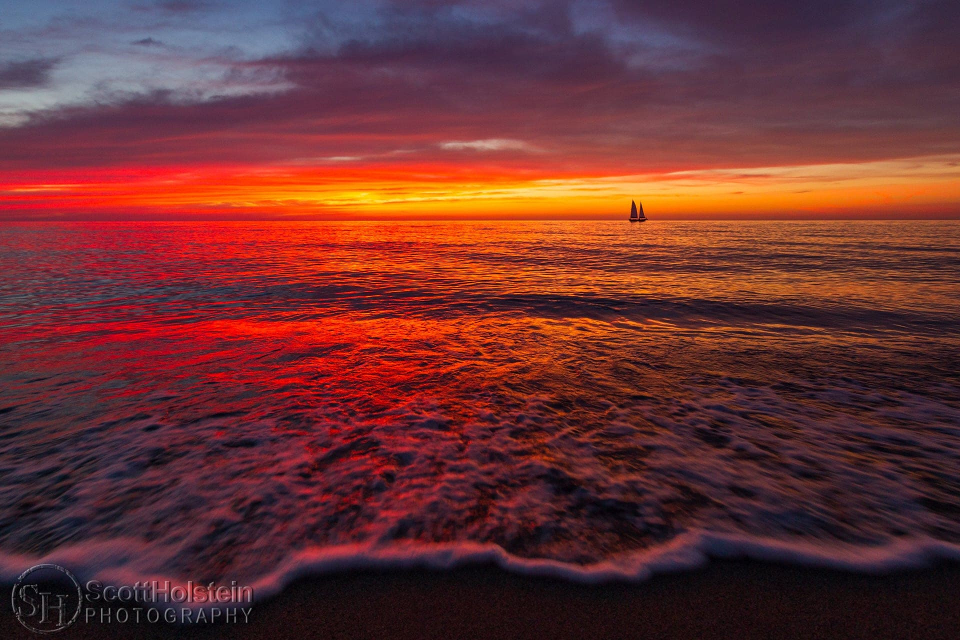 Photo of a pastel beach sunset in Venice, Florida by landscape photographer Scott Holstein.